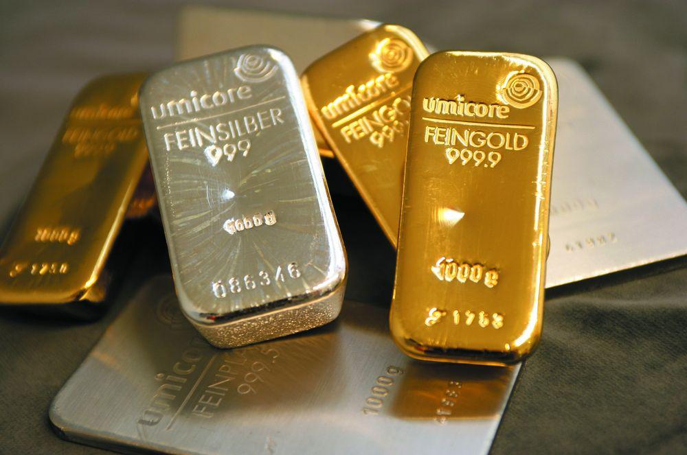 Cena zlata in srebra navzgor