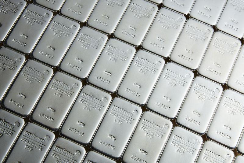Cena srebra se približuje naslednji prelomnici. Taki Tsaklanos